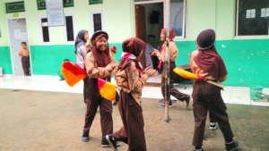 AMK Children rehearsing Pramuka