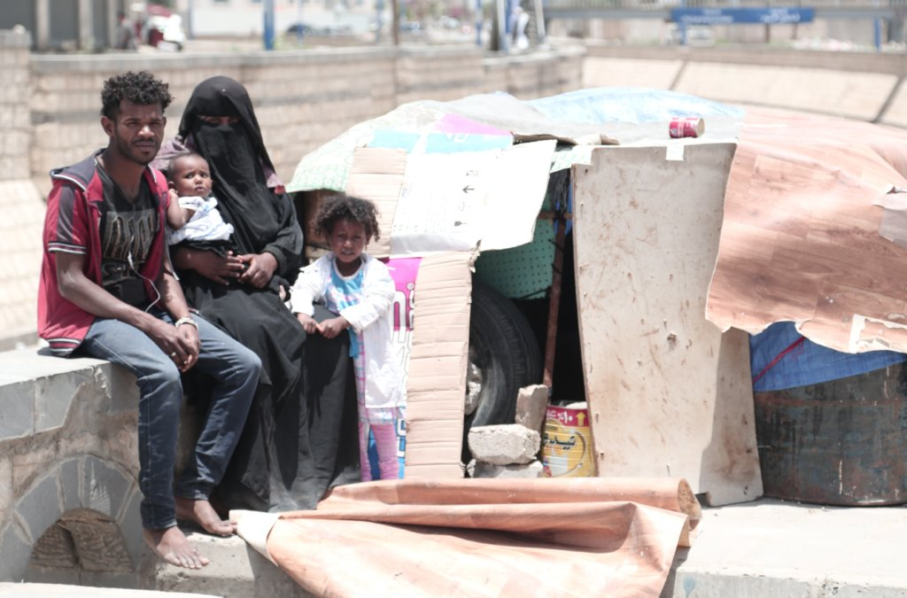 Provide clean water and humanitarian aid to Yemen