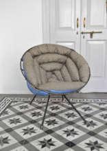 Kursi Chair by C. Lorenz.
