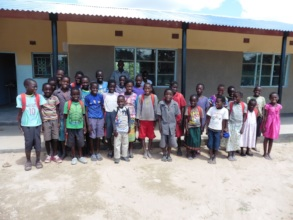Pupils at the newly build Bunsanga School