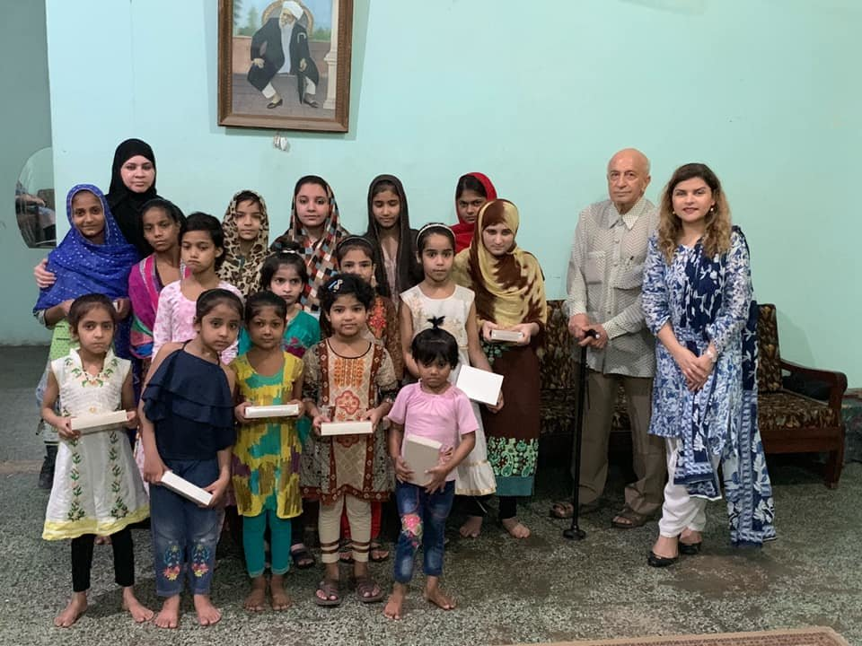 Give Ramadan Dates/Khajoor to Orphans in Pakistan