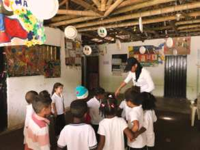 Supports the nutrition of 150 children in Colombia
