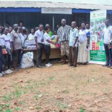 Donation at Osunu Dompe