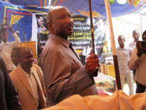 The Wali, North Darfur, congratulates new midwives