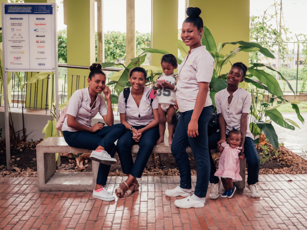 Economic inclusion of 350 teen mothers, Colombia