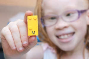 Braille Bricks: a tool for Blind Children literacy