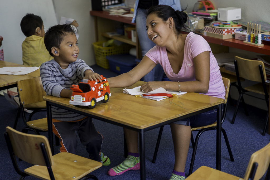 Support 45 children with hearing loss in Mexico