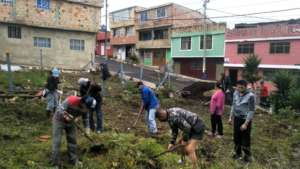 The community of Miraflores working together