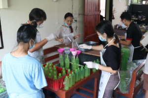 Students volunteer at Hand Soap product project