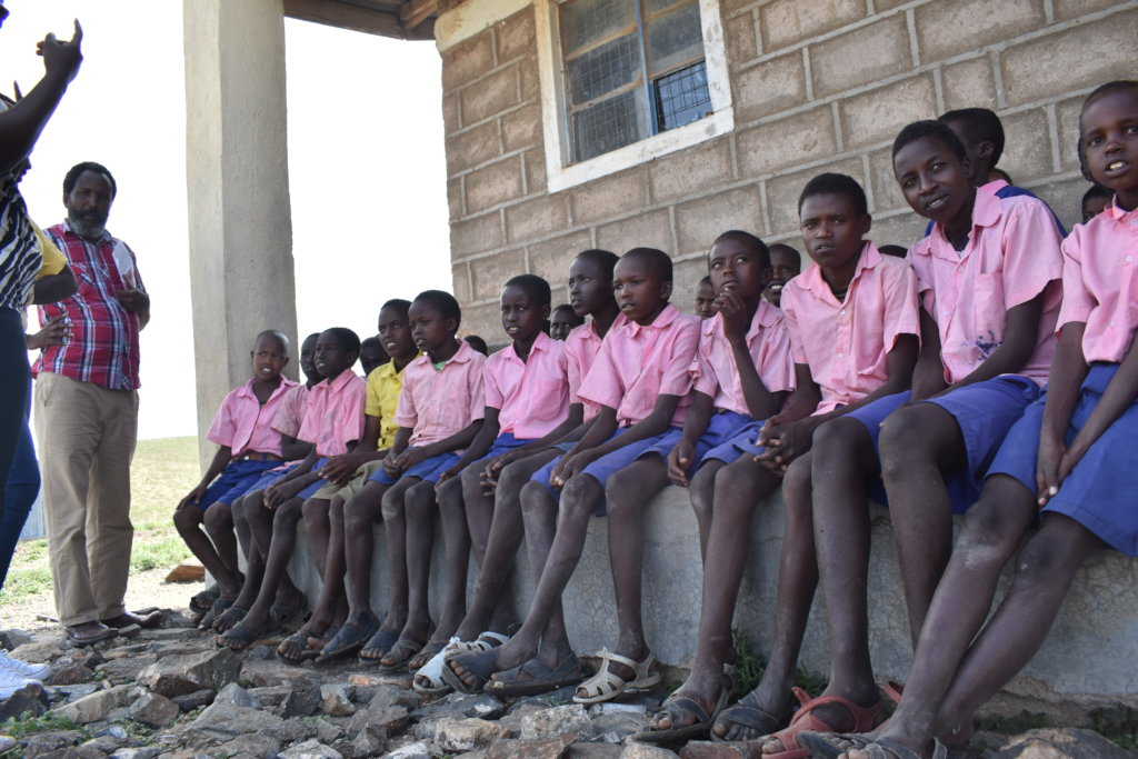Help 250 children to end tribal conflict in Kenya