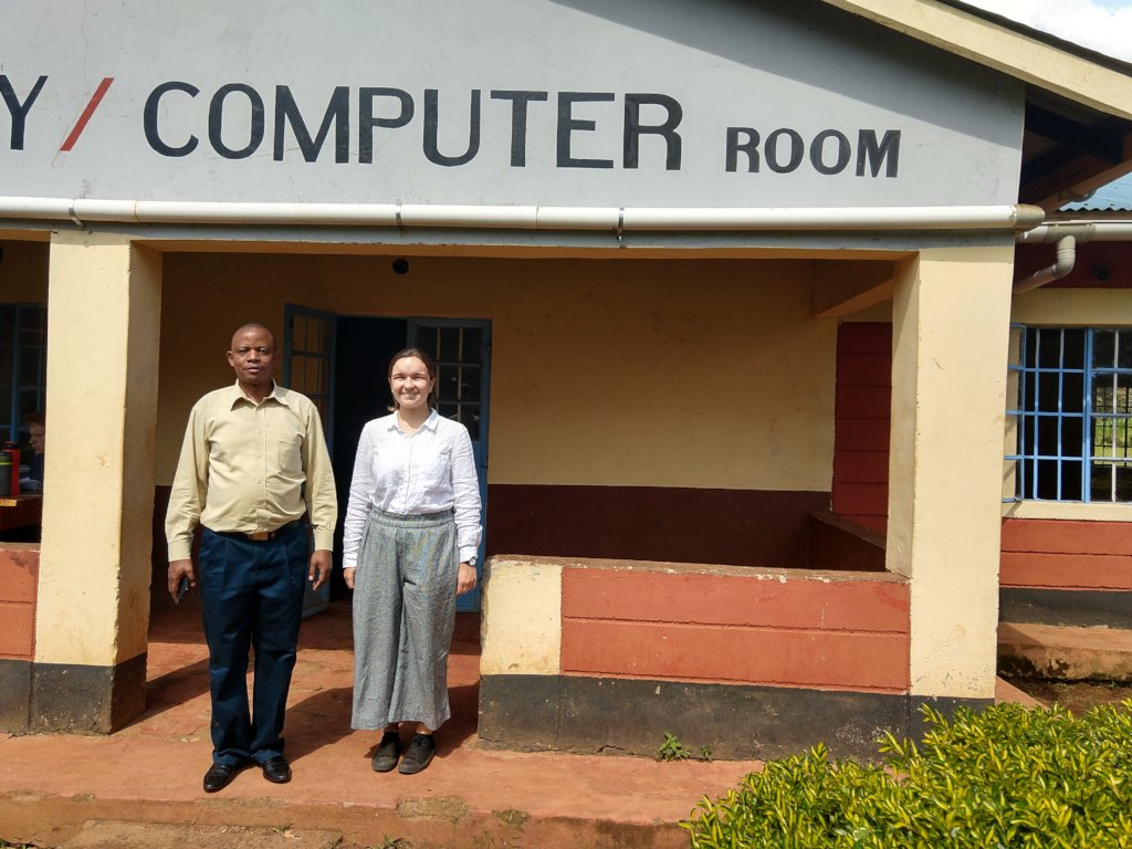 Provide a computer room for rural Kenyan school