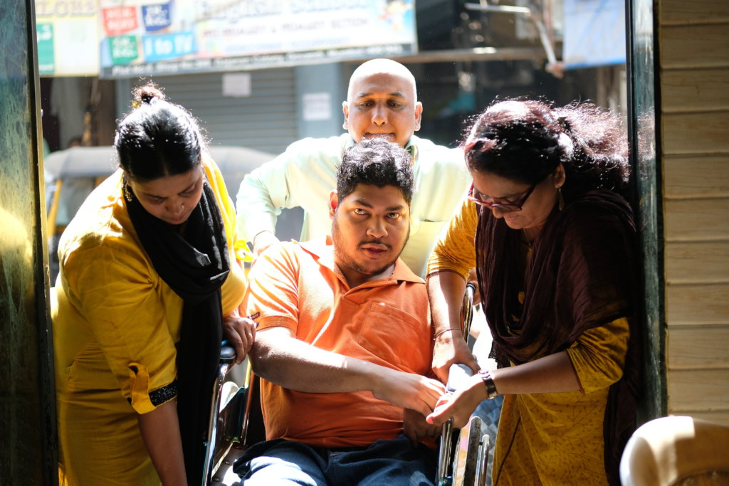 Aid People with Disabilities in Mumbai