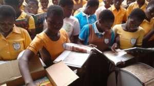 200313 CSAG Books Africa Pallet Received (10)
