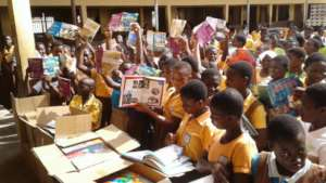 200313 CSAG Books Africa Pallet Received (8)