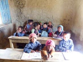 Children in classroom (1)