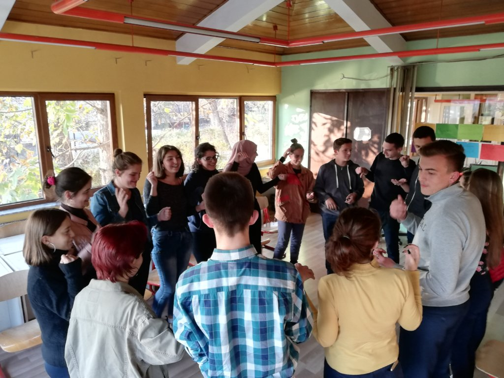 Support 500 Kosovo Youth Learn by Volunteering