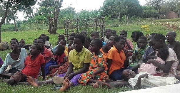 Reading Kids - Children's Library in rural Uganda
