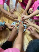 School children at the office to learn about HUG