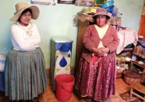 Rosa and her daughter take charge of their filter!