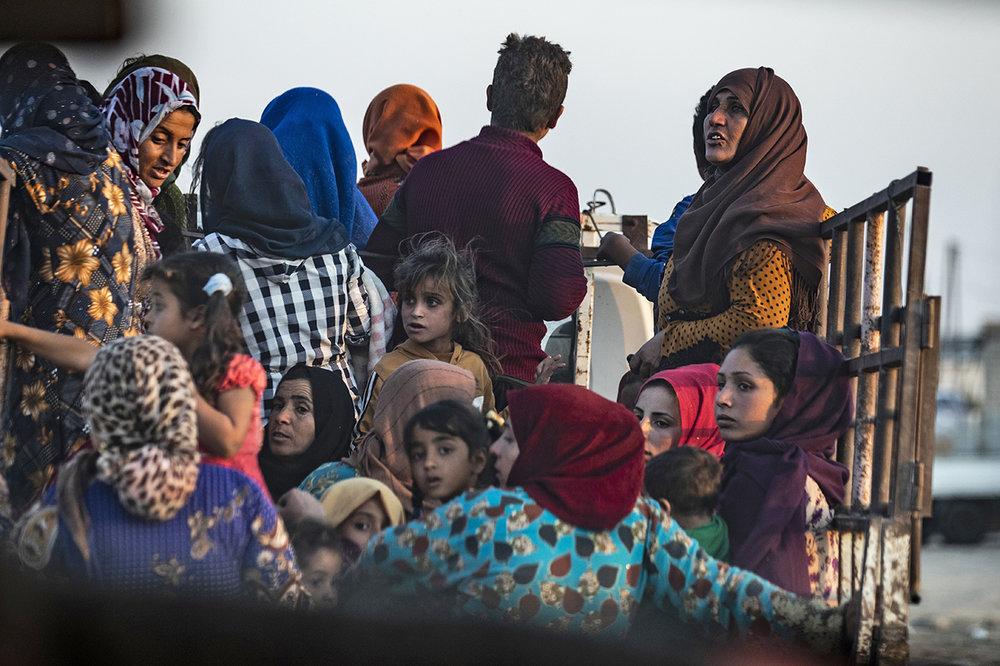 Syrian Kurds fleeing to Northern Iraq