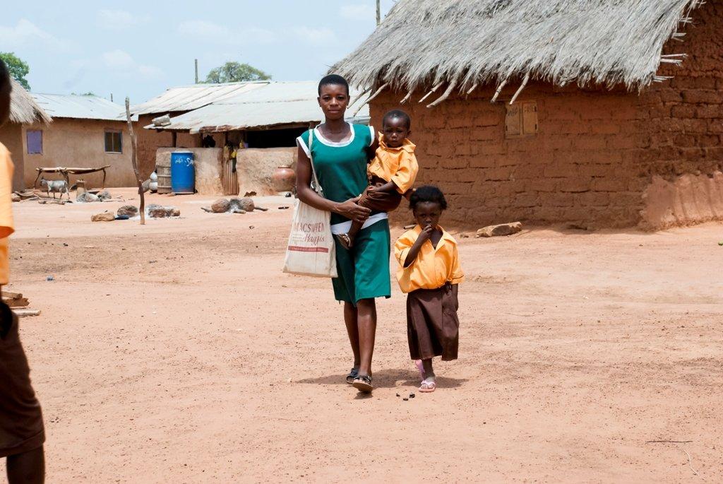 Return 120 teenage mothers to school in Tuna.