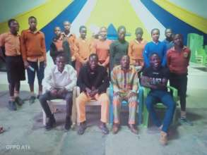 Alumni together with the candidates