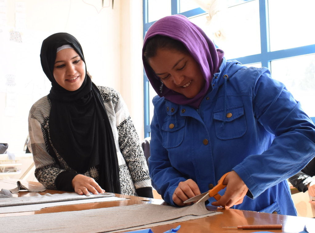 Empower 500 refugees in Greece with tools & skills