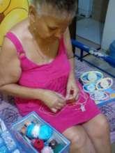 Eco Artisan from Paritilla, using Cogoyo from home