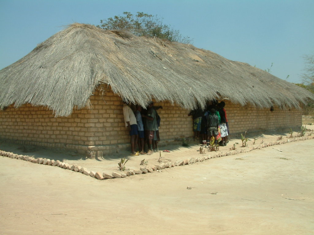 Building 3 classrooms for 1000 orphans in Zambia