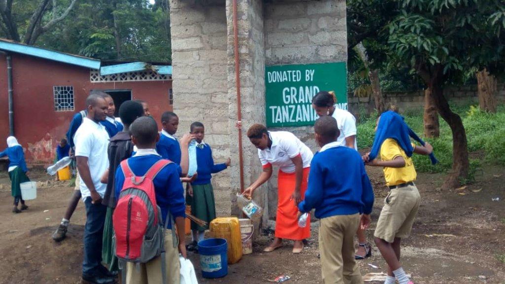 Clean water for 100,000 school children in Arusha