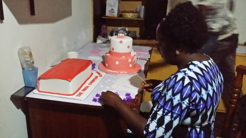 Give an oven to Sophie cake business in Uganda