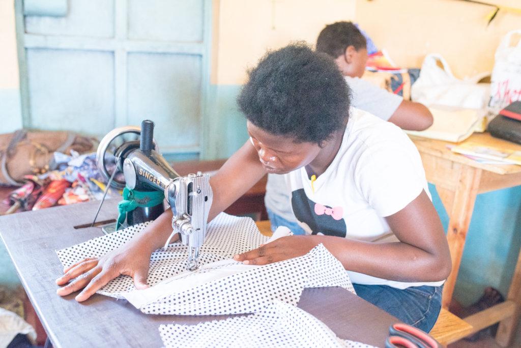 Empowerment of HIV+ women through entrepreneurship