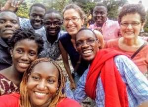 Dr. Tobi Nagel with workshop participants