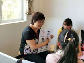 Ms. Cao trains health advocates