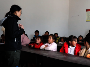 CWEF's Jenny Chu leads advocate training with kids