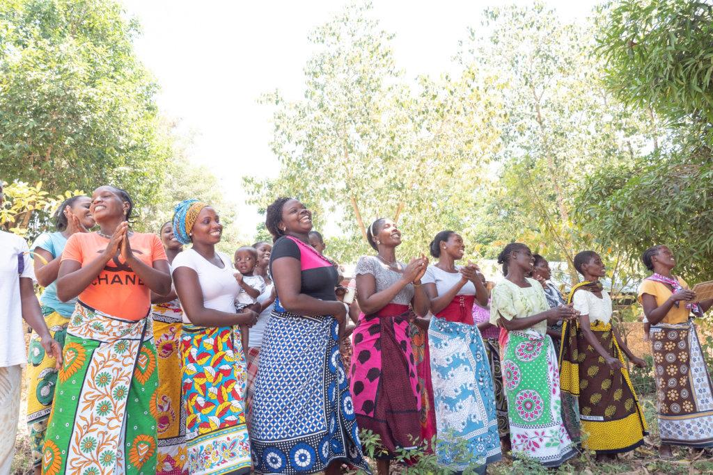 Train 10 Women + Keep Weaving Alive in Kenya