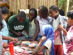 Upcycling workshop with a local artisan