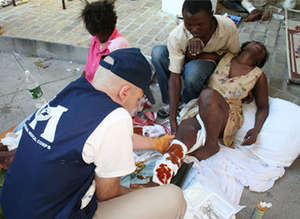 IMC Dr. treating earthquake survivors