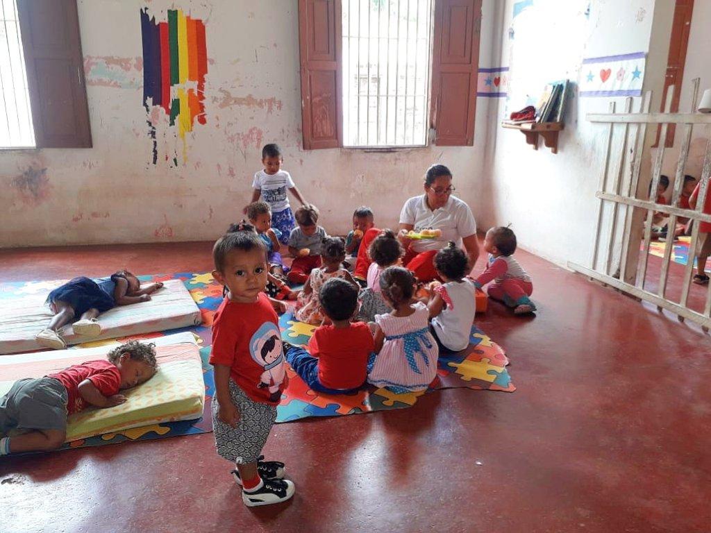 Help guarantee initial education of 950 children!