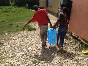 Haiti - Working together to Retrieve Water