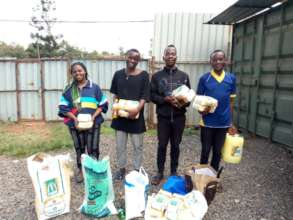 Emergency food parcels given out in Nairobi Mar 26