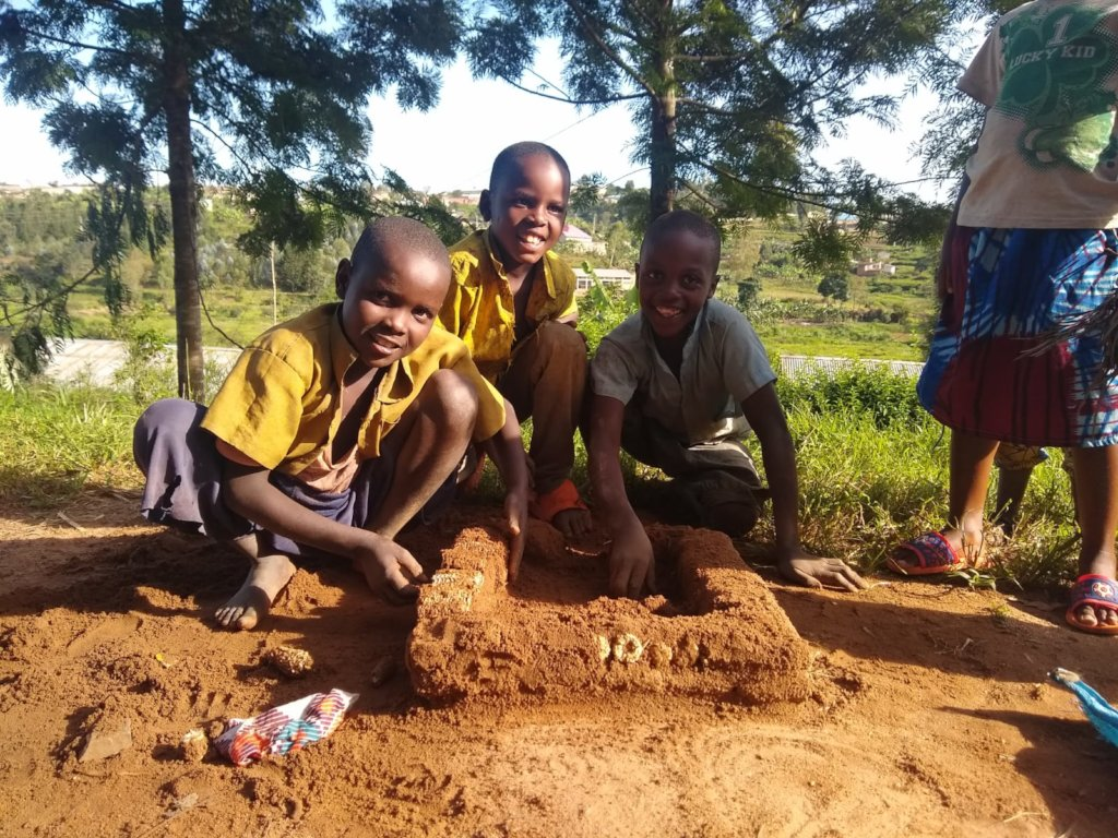 Build a playground for 500 children in Nyamagana!