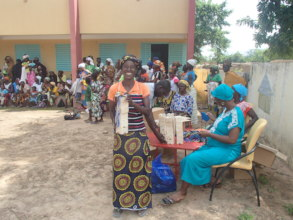 Distribution of soap and mask Fina 2