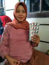 Iron tablets prevent pregnant woman from anemia