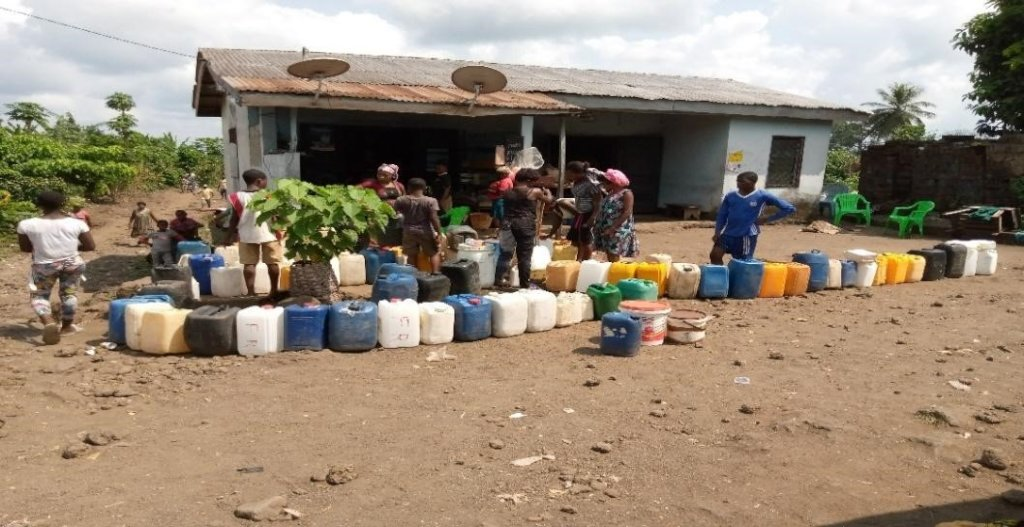 Bring water to 8,000 people in a conflict zone