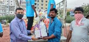 Sponsorship of groceries to poor dailywage workers