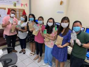 Doctors and nurses receive protective supplies