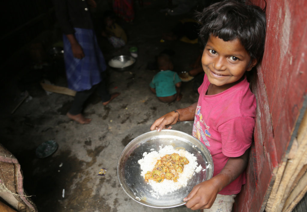 Covid-19: Food for street children in Mumbai
