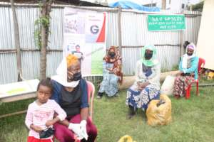 Mothers seeking food for their children