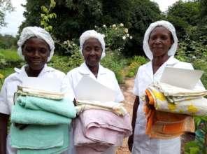 3 midwives at Katoka